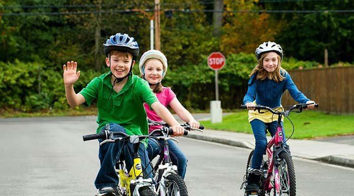 Dziecko na rowerze. Kiedy musi posiadać kartę rowerową?