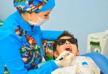 Zabiegi i działania wykonywane w profesjonalnym gabinecie dentystycznym